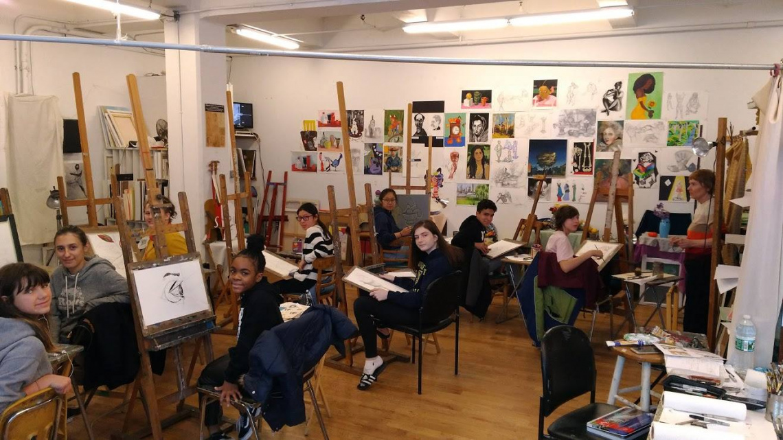 Teens art class with teacher Polina Osnachuk